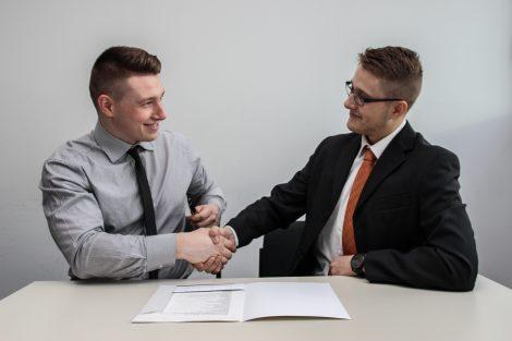 Assistente de departamento pessoal-Ótimas oportunidades e bons salários
